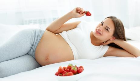 Εγκυμοσύνη: Ξεκινήστε το μαγικό αυτό ταξίδι με τη σωστή διατροφή