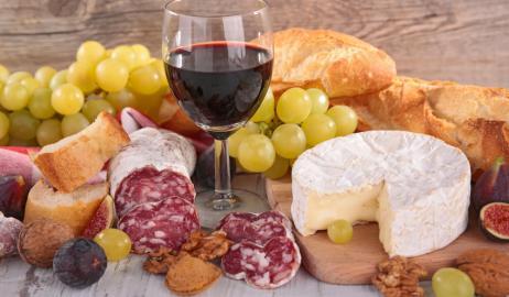 Κόκκινο κρασί, κακή διατροφή και μακροζωία