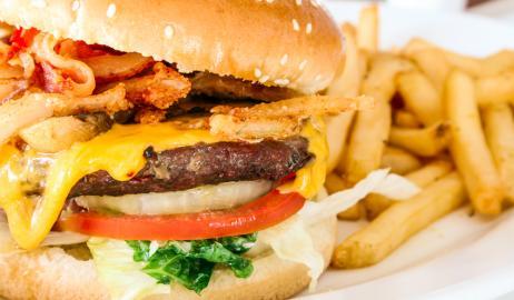 Τα burger προκαλούν καρκίνο του προστάτη