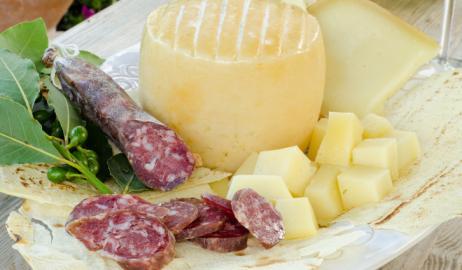 Ενίσχυση της διατροφικής αξίας και της διάρκειας ζωής στα λουκάνικα και τα λευκά τυριά