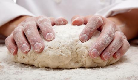 Εδώ ζυμώνεται – Εδώ ψήνεται: το ειδικό σήμα του φρέσκου ψωμιού στους φούρνους