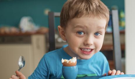 Τα αυγά είναι το καλύτερο πρωινό για τα παιδιά