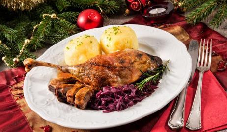 Ο γύρος του κόσμου μέσα από τα Χριστουγεννιάτικα εορταστικά πιάτα