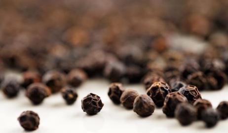 8 χρήσεις του μαύρου πιπεριού που δεν έχουν σχέση με τη μαγειρική!