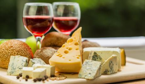 Συμβουλές για το τέλειο «cheese and wine party»