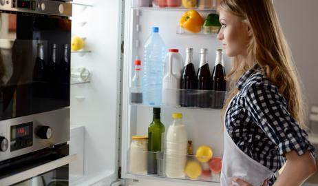 Ποια τρόφιμα πρέπει να πετάξετε από το ψυγείο σας;