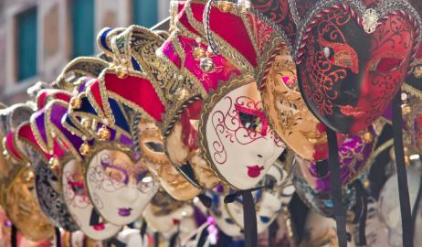 Πώς γιορτάζεται η Τσικνοπέμπτη στον κόσμο