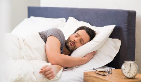Τελικά μας παχαίνει το φαγητό πριν τον ύπνο;