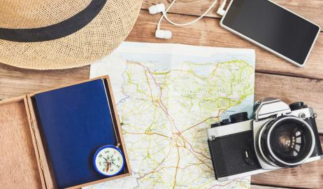 Πως να αποφύγετε να πάρετε κιλά όταν ταξιδεύετε
