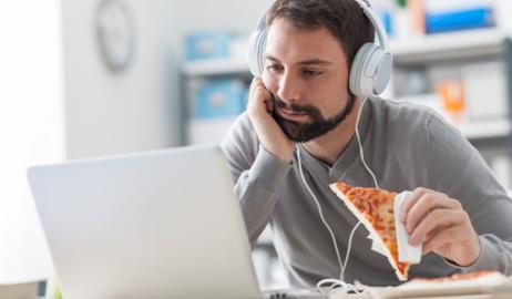Τρώτε περισσότερο όταν είστε κουρασμένοι; Φταίει η … η μύτη σας