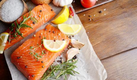 Κάντε τα απαραίτητα λιπαρά μέρος της υγιεινής καλοκαιρινής σας διατροφής