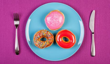 10 σημάδια που αποδεικνύουν ότι τρώτε πολύ ζάχαρη