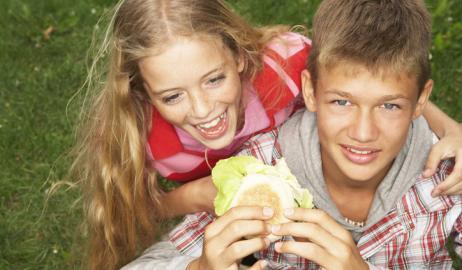 Το ακριβότερο πρόχειρο φαγητό μπορεί να κάνει τα παιδιά να τρώνε πιο υγιεινά