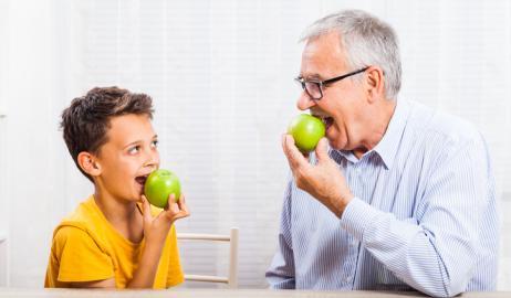 Φρούτα: τρώμε πολλά ή λίγα;