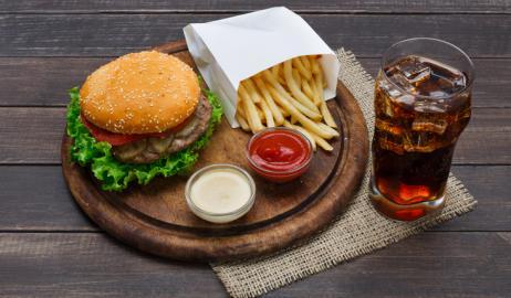 Αυτός ο διατροφικός συνδυασμός θα μπορούσε να είναι ο λόγος που δεν χάνετε βάρος
