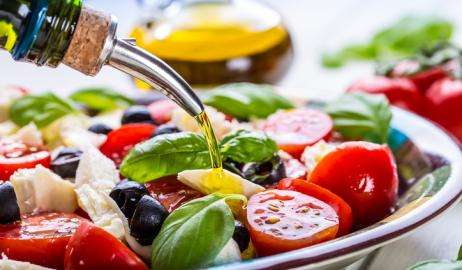 Το λάδι στις σαλάτες αυξάνει την απορρόφηση των θρεπτικών ουσιών