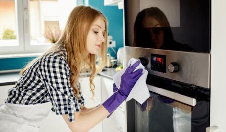 Πράγματα που ποτέ δεν σκεφτόμαστε ότι πρέπει να καθαρίζουμε στην κουζίνα