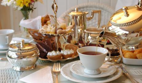 Πώς μια Πορτογαλίδα πριγκίπισσα καθιέρωσε το τσάι στη Βρετανία