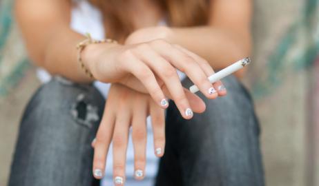 Πώς η δίαιτα στην εφηβεία σχετίζεται με το κάπνισμα και την κατανάλωση αλκοόλ