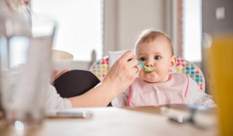Θα πρέπει να ανησυχείτε για το αρσενικό στις τροφές του μωρού σας;