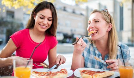 Πώς ένα καλό γεύμα μας κάνει δυο φορές ευτυχισμένους