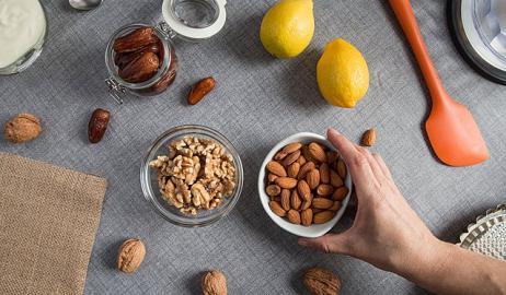 Καρύδια ή αμύγδαλα; Τι να διαλέξω και γιατί