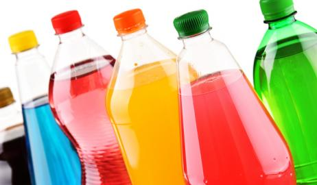 Τα σακχαρούχα αναψυκτικά μπορούν να χειροτερέψουν τα συμπτώματα σε μία χρόνια αυτοάνοση νόσο
