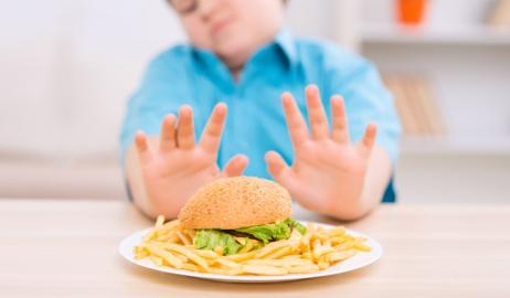 Η παχυσαρκία μπορεί να προκαλέσει πρώιμη εφηβεία και στα αγόρια