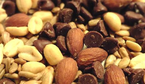 Ποιος ξηρός καρπός θα σας βοηθήσει να μειώσετε τη χοληστερόλη φυσικά;