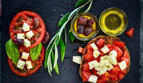 9 λόγοι για να τρώμε ελαιόλαδο κάθε μέρα