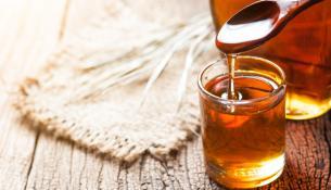 Σιρόπι σφενδάμου – Μέλι: Μια γλυκιά σύγκριση