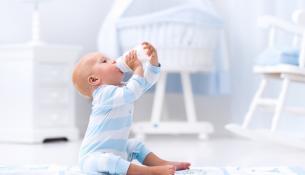 Πότε μπορούν τα μωρά να πιουν νερό;