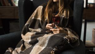 Tο κρύο μας κάνει να πίνουμε περισσότερο αλκοόλ