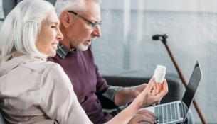 Τα υψηλής δόσης συμπληρώματα βιταμίνης D δεν ωφελούν τους περισσότερους ηλικιωμένους πάνω από τα 70