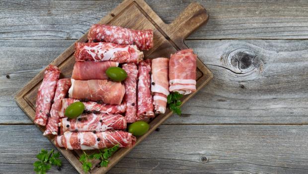 Νιτρώδη και νιτρικά στα επεξεργασμένα τρόφιμα