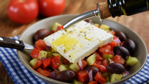 Μεσογειακή διατροφή: Ποια είναι τα παραδοσιακά της τρόφιμα και τα οφέλη στην υγεία;