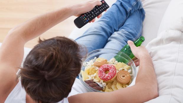 Παχυσαρκία: τρώγοντας... τηλεόραση!