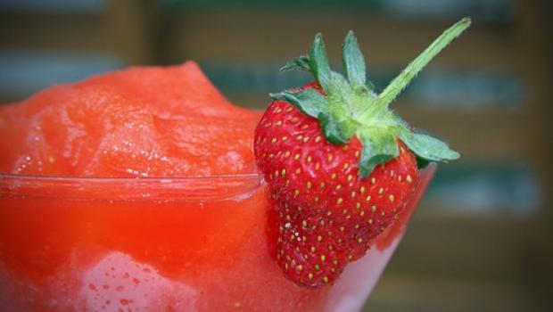 Φανταστικό Daquiri φράουλα με κόκκινη πιπεριά!