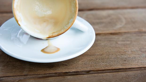 Οι επιστήμονες λύνουν το μυστήριο του σχηματισμού των λεκέδων του καφέ
