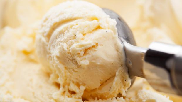 Με αυτό τον τρόπο το παγωτό δεν θα λιώνει ακόμη και σε καύσωνα!