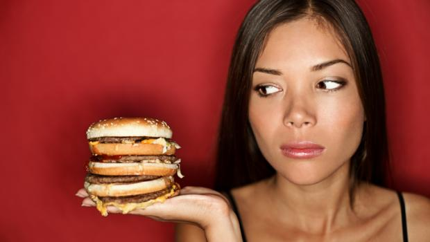 Αυτός είναι ο λόγος που θα πρέπει να σκεφτείτε δύο φορές πριν επιλέξετε κάποια προσφορά έτοιμου μεσημεριανού γεύματος