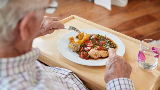 Η κατανάλωση περισσότερων πρωτεϊνών μπορεί να μην ωφελεί τους ηλικιωμένους άνδρες