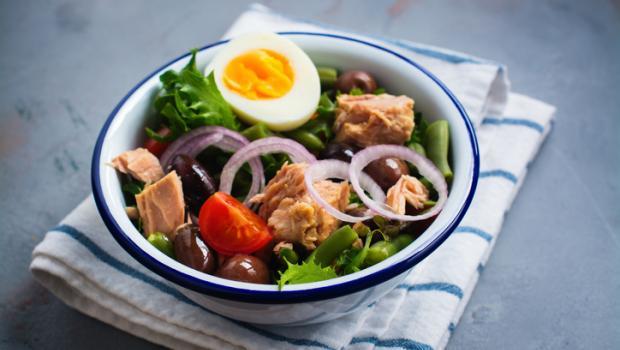 8 Καλοκαιρινές συνταγές που δεν χρειάζονται μαγείρεμα