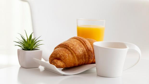 Γιατί πρέπει να σκεφτείτε δύο φορές πριν πιείτε χυμό φρούτων στο πρωινό σας
