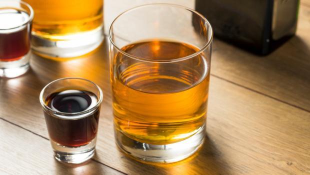 Αποφύγετε τη μίξη ενεργειακών ποτών με αλκοόλ