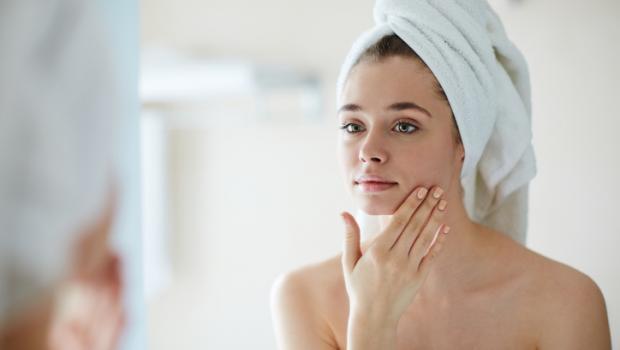 Νομίζετε ότι είστε αφυδατωμένοι; Αυτή η απλή δοκιμή στο δέρμα θα σας λύσει την απορία σε δευτερόλεπτα