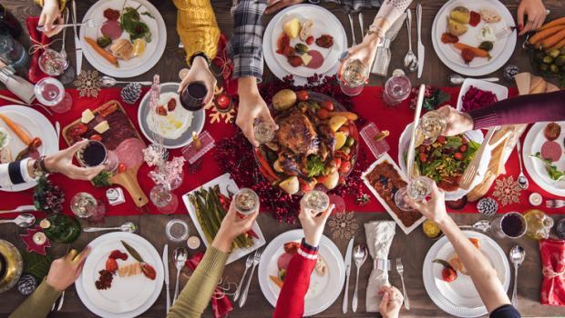 Ο κοινός συμβολισμός των γιορτινών φαγητών