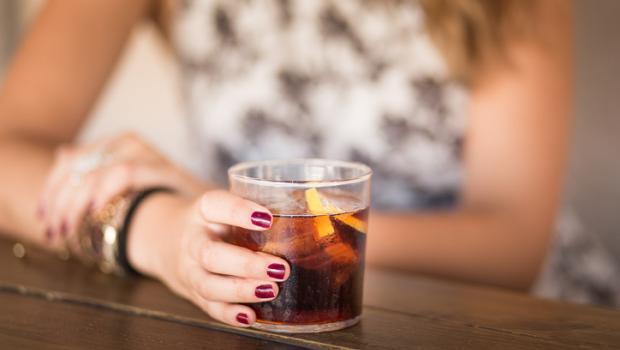 Τι μπορούν να προκαλέσουν τα αναψυκτικά διαίτης στις γυναίκες άνω των 50 ετών